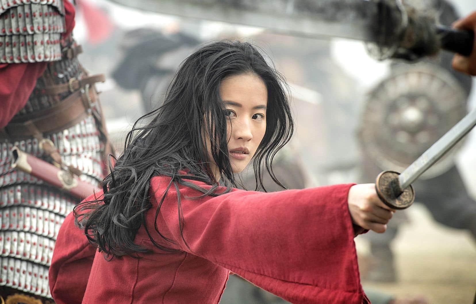 Tout du long, le scénario de «Mulan» s'astreint à un travail d'équilibriste afin de plaire à tout le monde sans déplaire à quiconque.