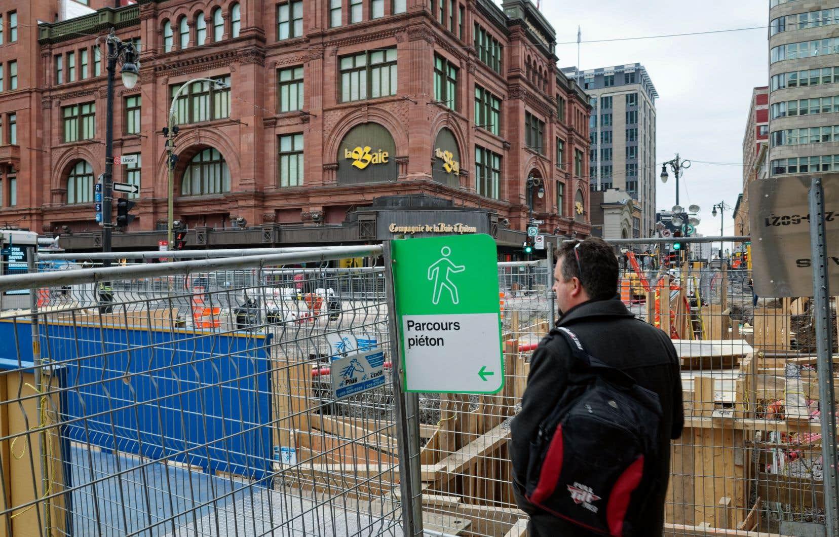 «Une fois dans le centre-ville, il est impératif de le mettre en garde à propos des chantiers montréalais», écrit l'auteur.