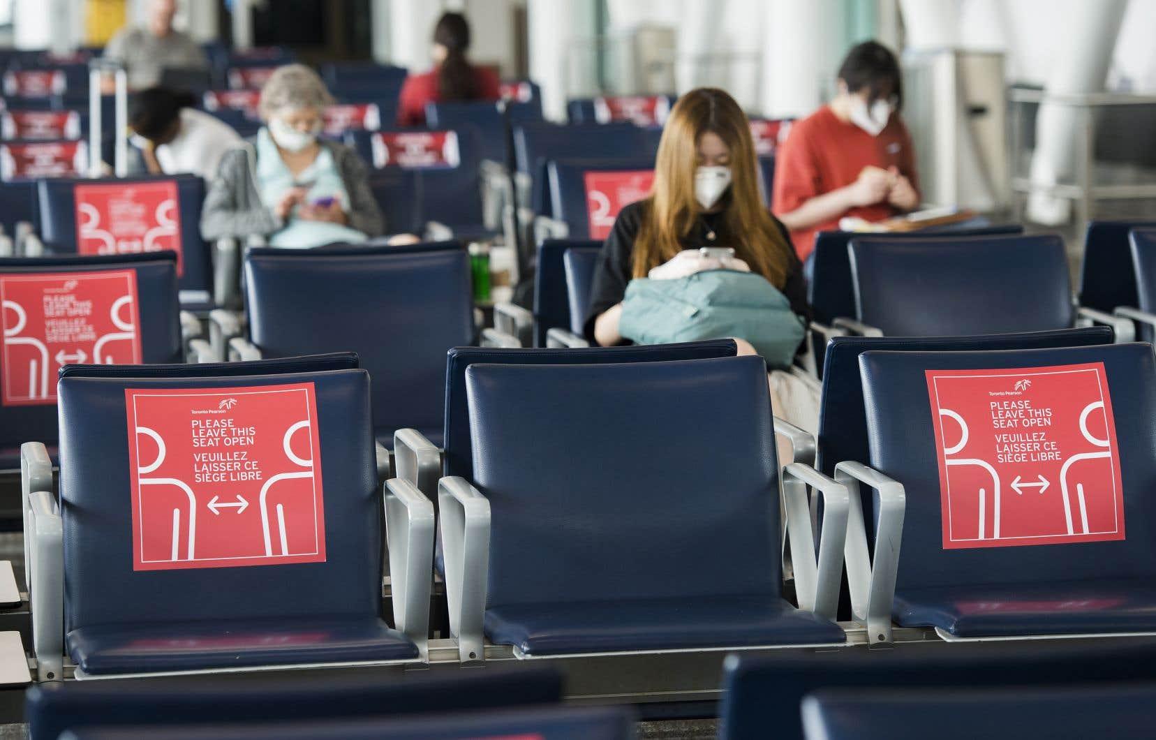 Le projet verra les participants fournir un échantillon aux chercheurs du terminal et deux autres échantillons prélevés par les voyageurs eux-mêmes, sept et quatorze jours après l'atterrissage.