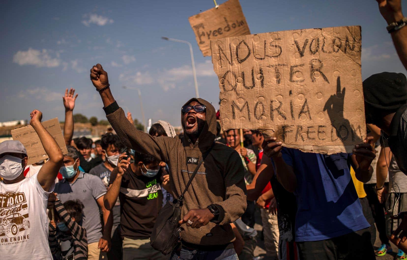 Beaucoup de ces migrants attendent puis longtemps d'être autorisés à aller vers d'autres pays d'Europe.