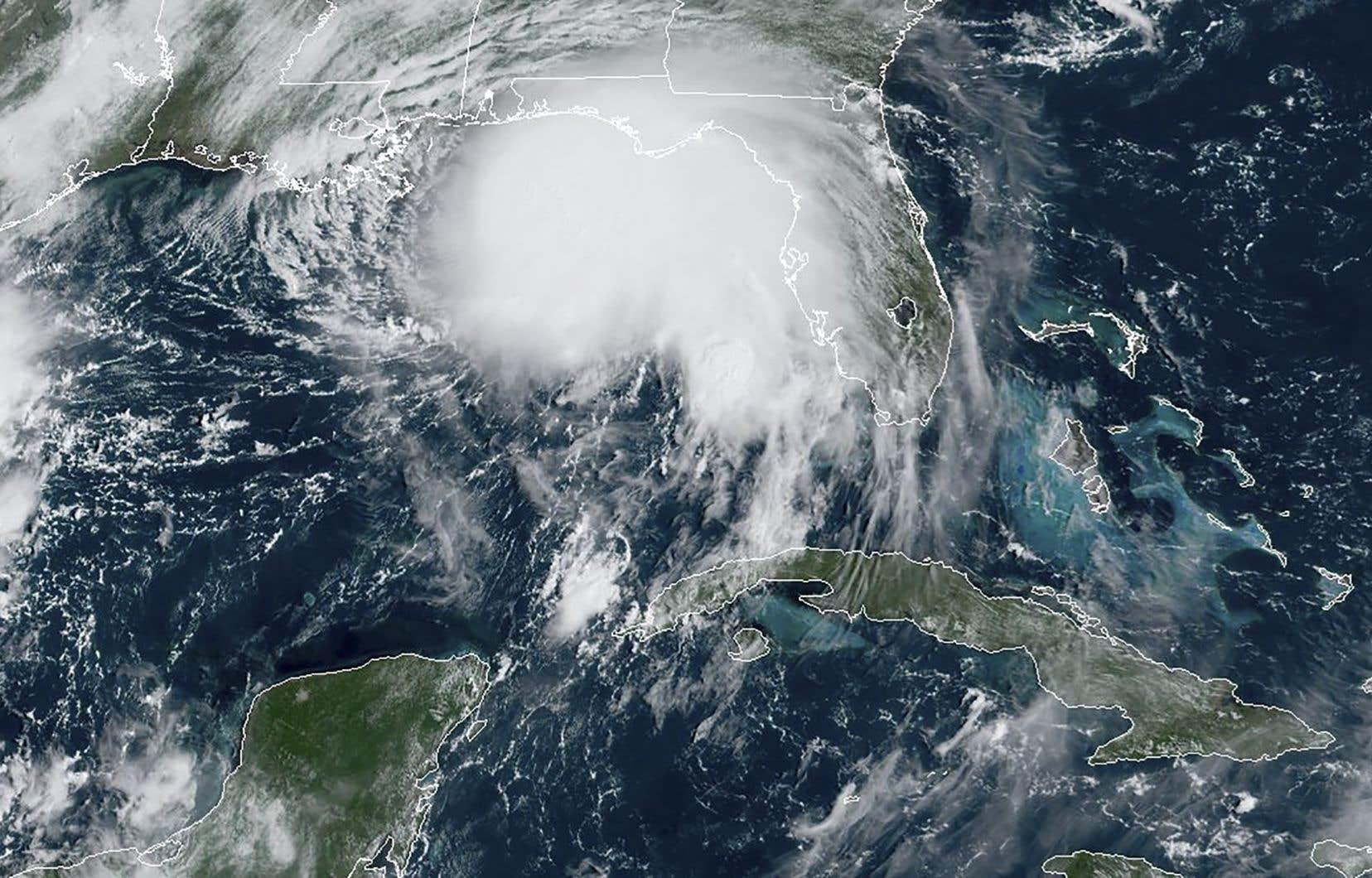 Actuellement à 210km de l'embouchure du Mississippi, Sally risque de provoquer des montées des eaux potentiellement mortelles de la Louisiane jusque dans l'Alabama.