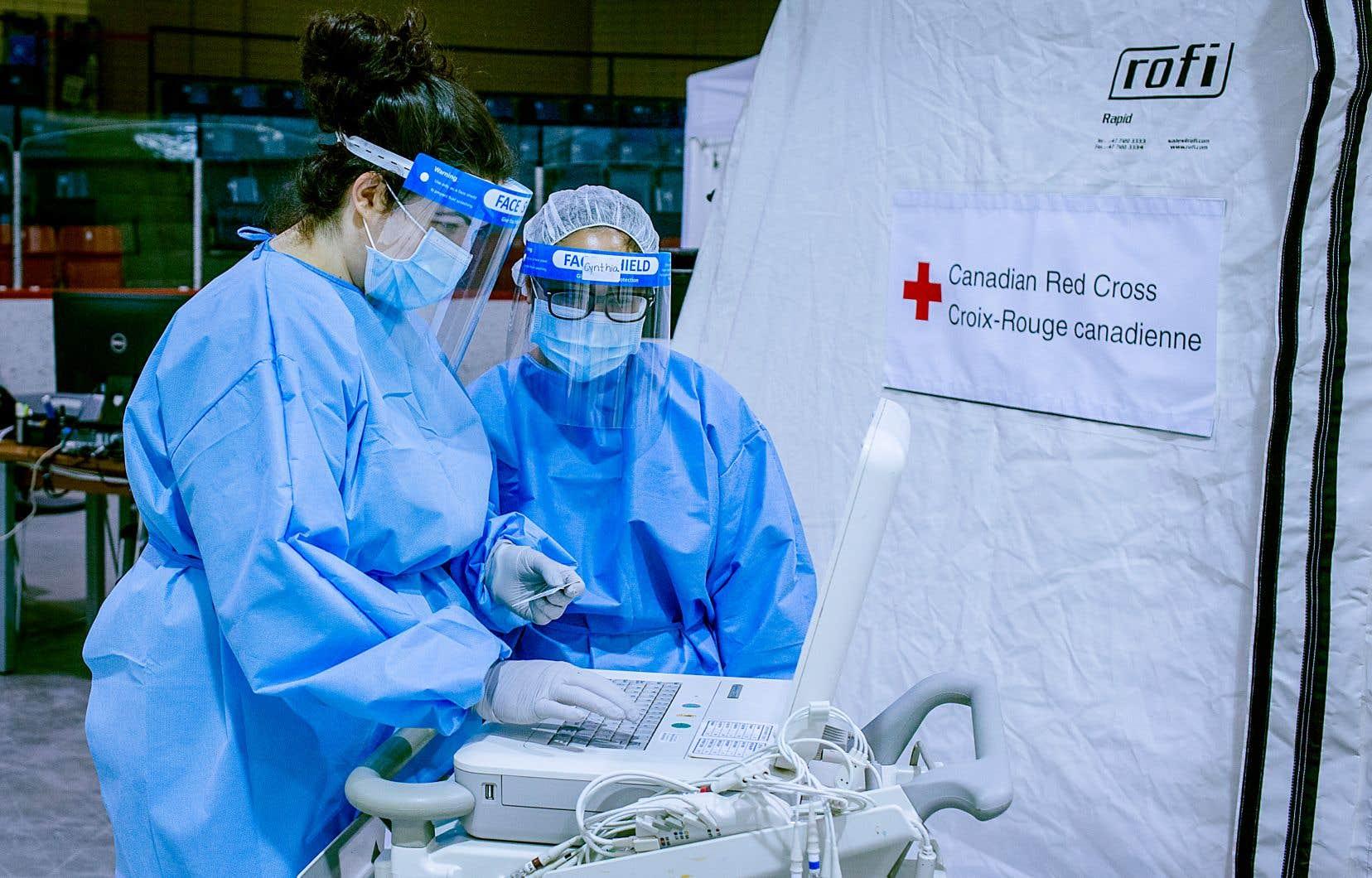 La Croix-Rouge a formé du personnel afin de répondre à la demande de soins et de services dans les CHSLD.