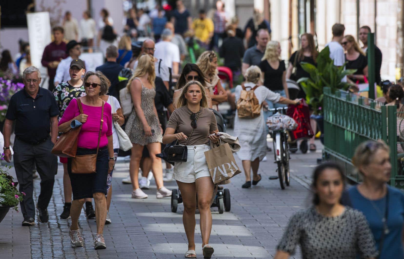 Les cas de contamination sont en baisse en Suède depuis le début du mois de septembre, comparativement à une hausse enregistrée chez ses voisins européens. Sur la photo, une rue de Stockholm, la capitale suédoise.