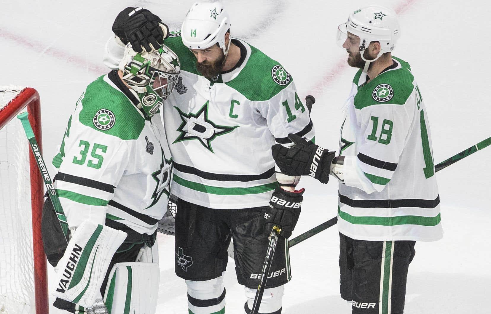 Les Stars mènent la série 1-0.
