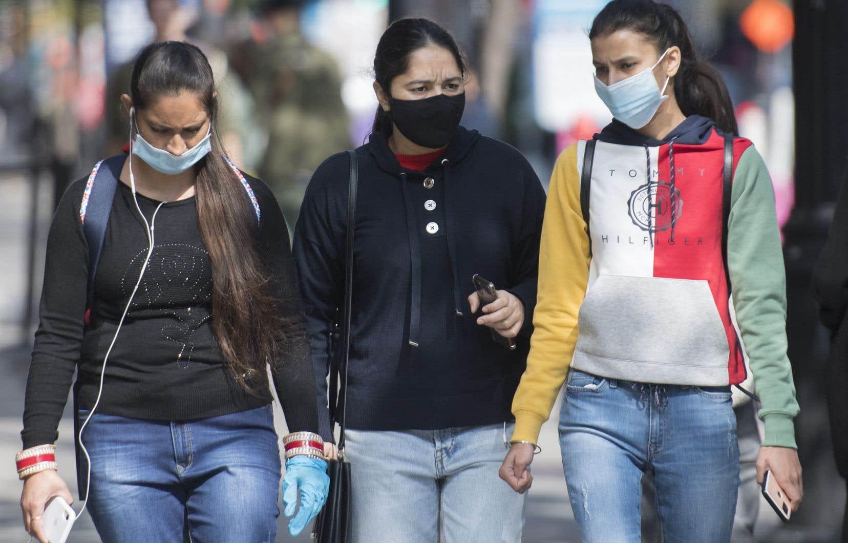 La crainte de contracter le nouveau coronavirus semble gagner progressivement du terrain depuis juin. 61% des répondants admettent désormais avoir peur d'être infectés à leur tour.