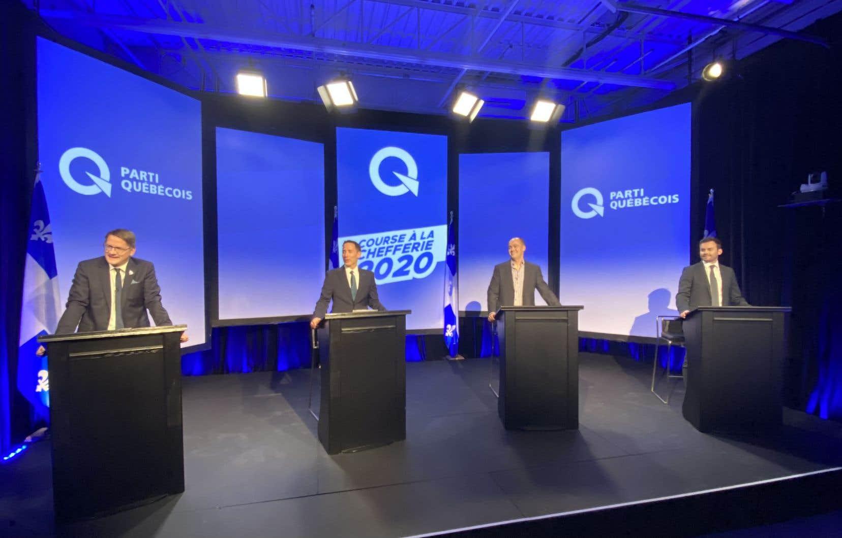 Le troisième et dernier débat de la course à la direction du Parti Québécois, animé, mardi, par l'ex-présidente du parti, Gabrielle Lemieux, portait sur le nationalisme, la protection de l'environnement et le territoire.