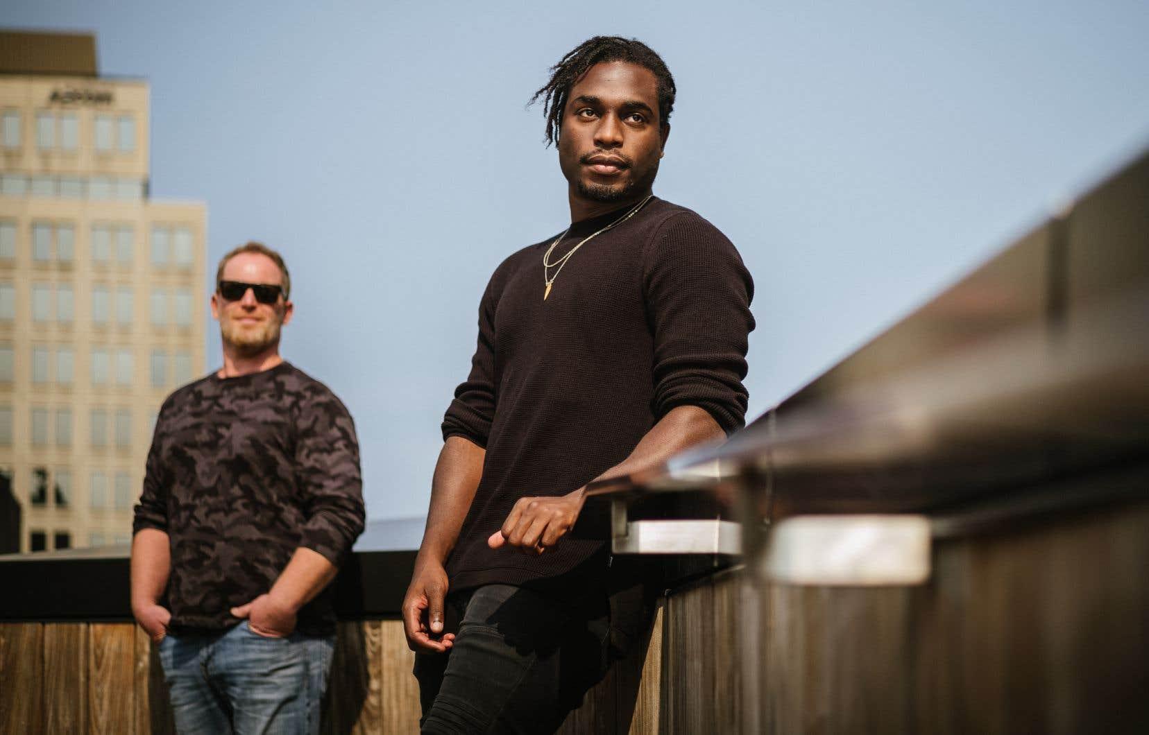 Après avoir joué plusieurs fois son fracassant solo depuis 2005, Alexandre Goyette (à gauche) passe le flambeau à un jeune interprète: Anglesh Major.