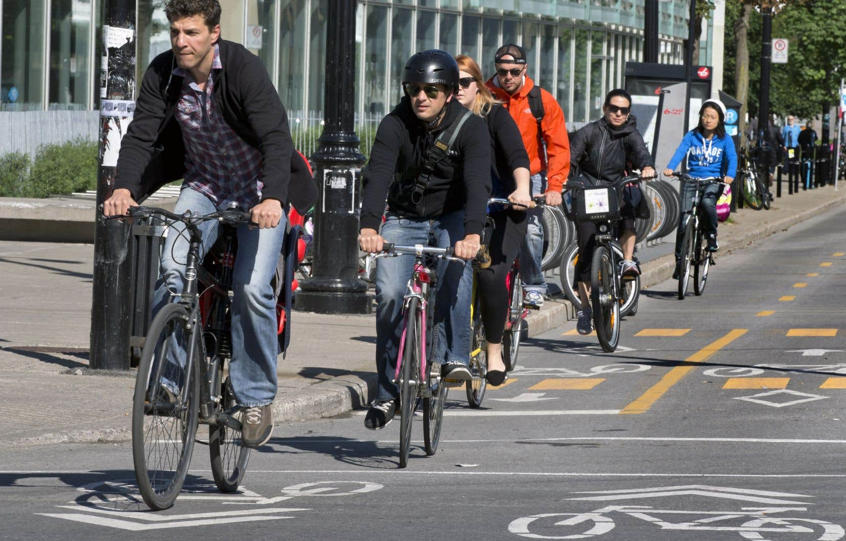«Il existe pourtant des modèles de mobilité qui semblent beaucoup plus inspirants pour la qualité de vie, en ce début du XXI<sup>e</sup>siècle, tels que ceux de Copenhague, Amsterdam, Munich, pour n'en nommer que trois», écrit l'auteur.