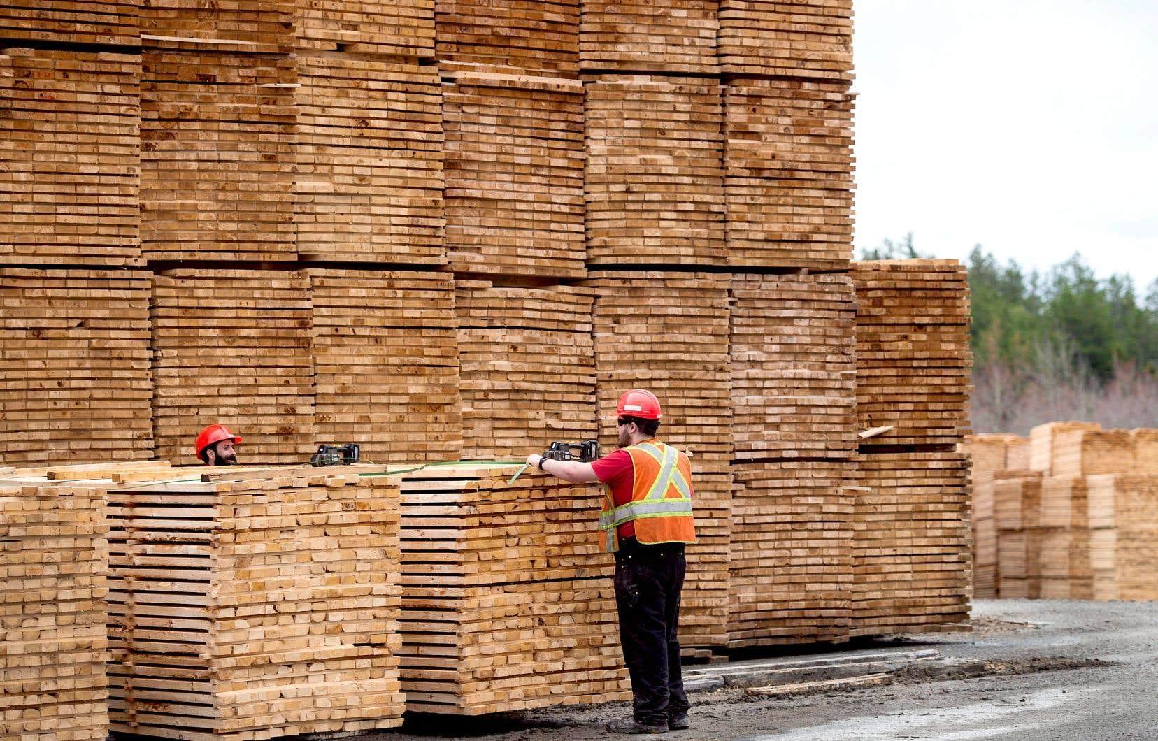 Pour le p.-d.g. du Conseil de l'industrie forestière du Québec, Jean-François Samray, les scieries américaines pourront conserver un avantage concurrentiel par rapport aux entreprises canadiennes.