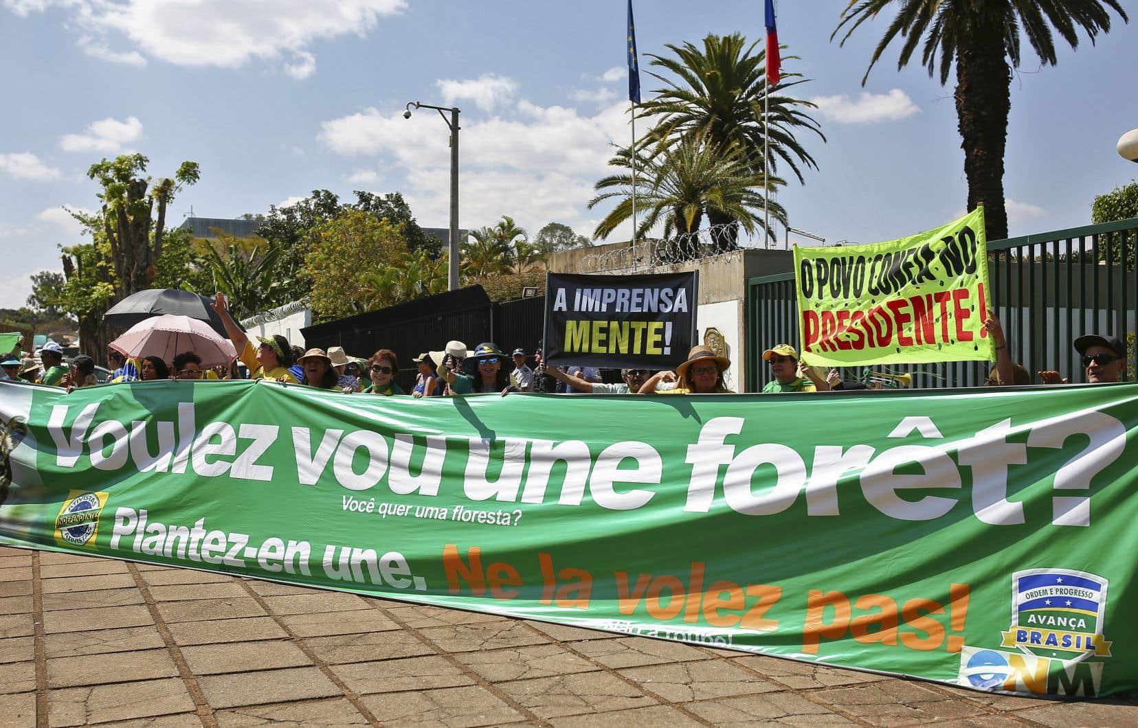 «L'appel à l'internationalisation de l'Amazonie provoque immanquablement une levée unanime de boucliers dans l'opinion publique brésilienne», écrit l'auteur.