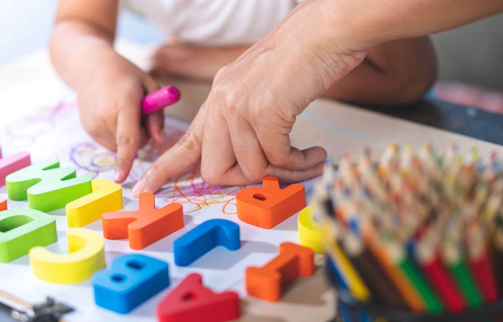 «Le potentiel des jeunes d'âge scolaire dépend aussi fortement de leur parcours dans la petite enfance», écrit l'autrice.