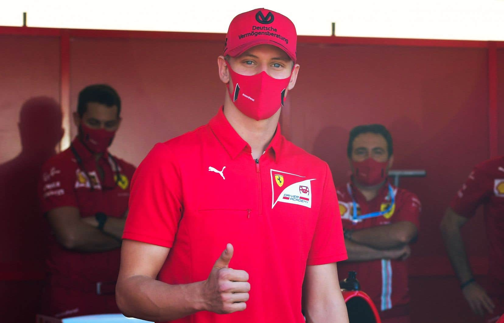 Schumacher, âgé de 21ans, est en tête du championnat de Formule 2 après avoir remporté des courses à Monza et à Sotchi.