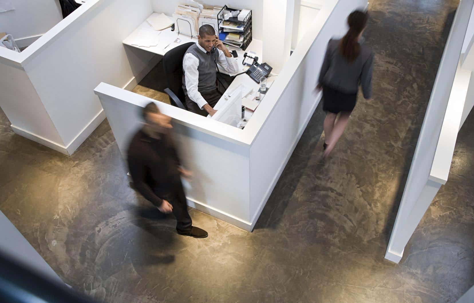 Au Canada, 13% des employeurs envisagent un gel salarial en 2021.