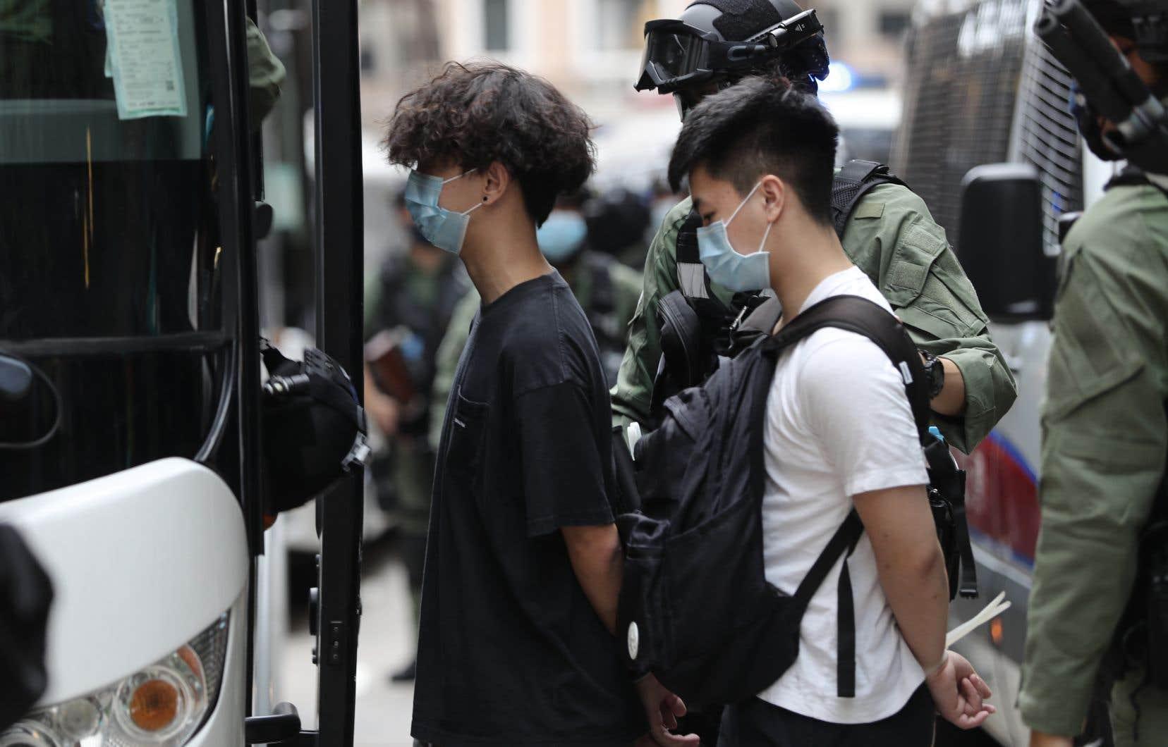 La police a indiqué avoir arrêté au moins 80 personnes, la plupart pour participation à un «rassemblement interdit».