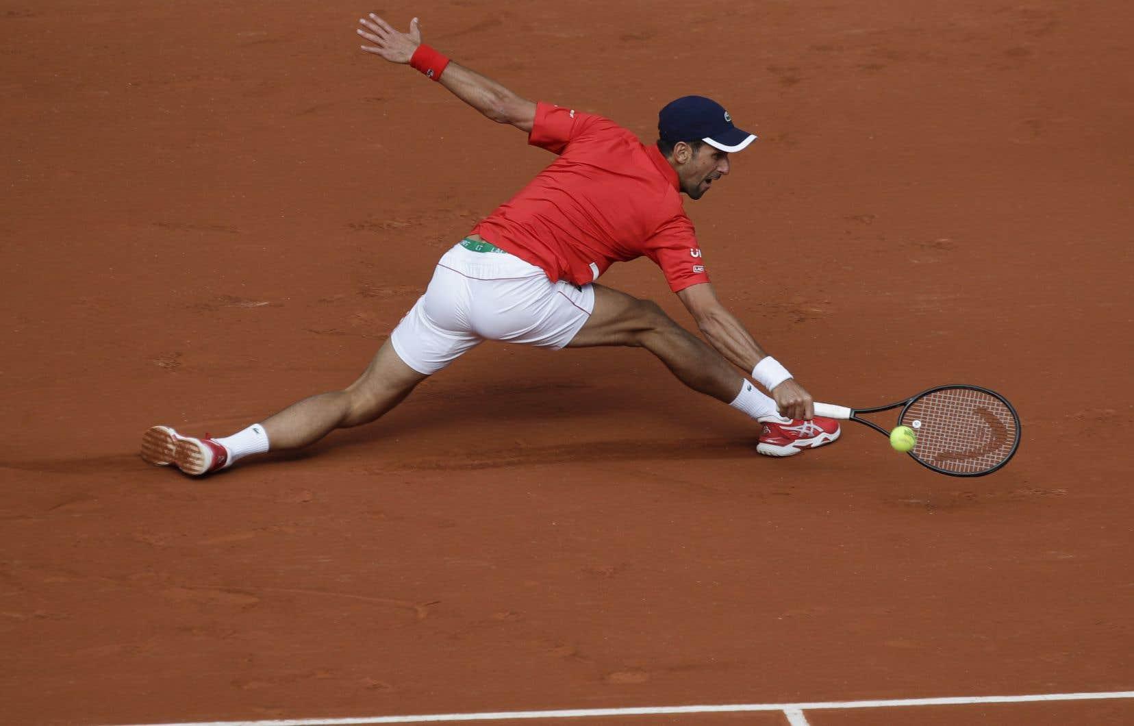 Djokovic tente de remporter pour la deuxième fois le majeur parisien, ce qui constituerait son 18e sacre en Grand Chelem.