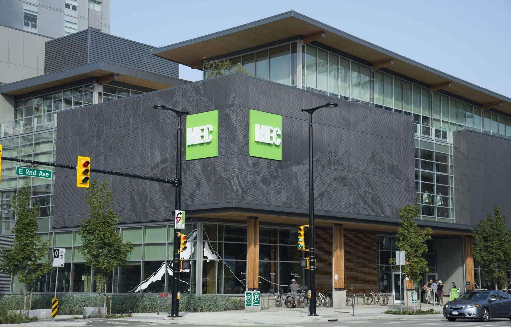 Fondée en 1971, MEC compte plus d'une vingtaine de succursales au Canada.