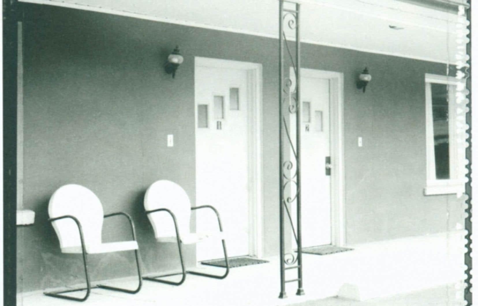 Photo de Patricia Gorostarzu prise avec une chambre photographique pour l'ouvrage Vintage America<br />