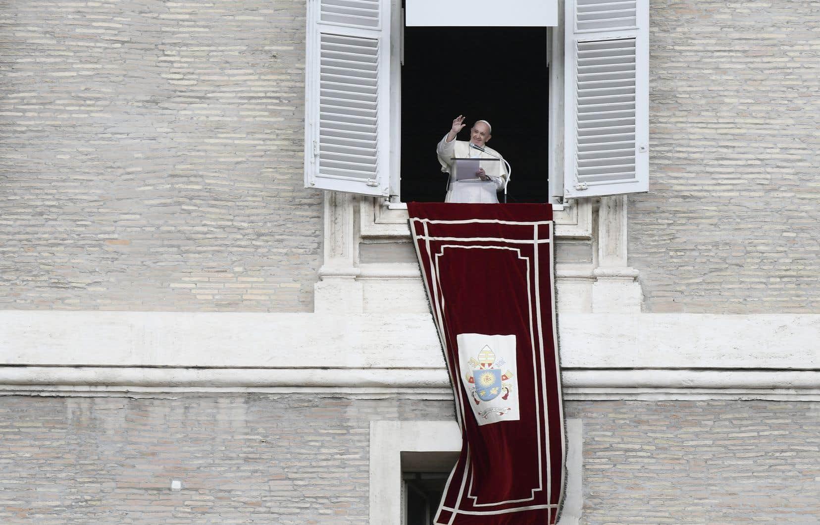 Le pape demande à la politique de se réhabiliter auprès de l'opinion publique en «visant le bien commun». Et tant pis si «investir en faveur des personnes fragiles ne peut pas être rentable».