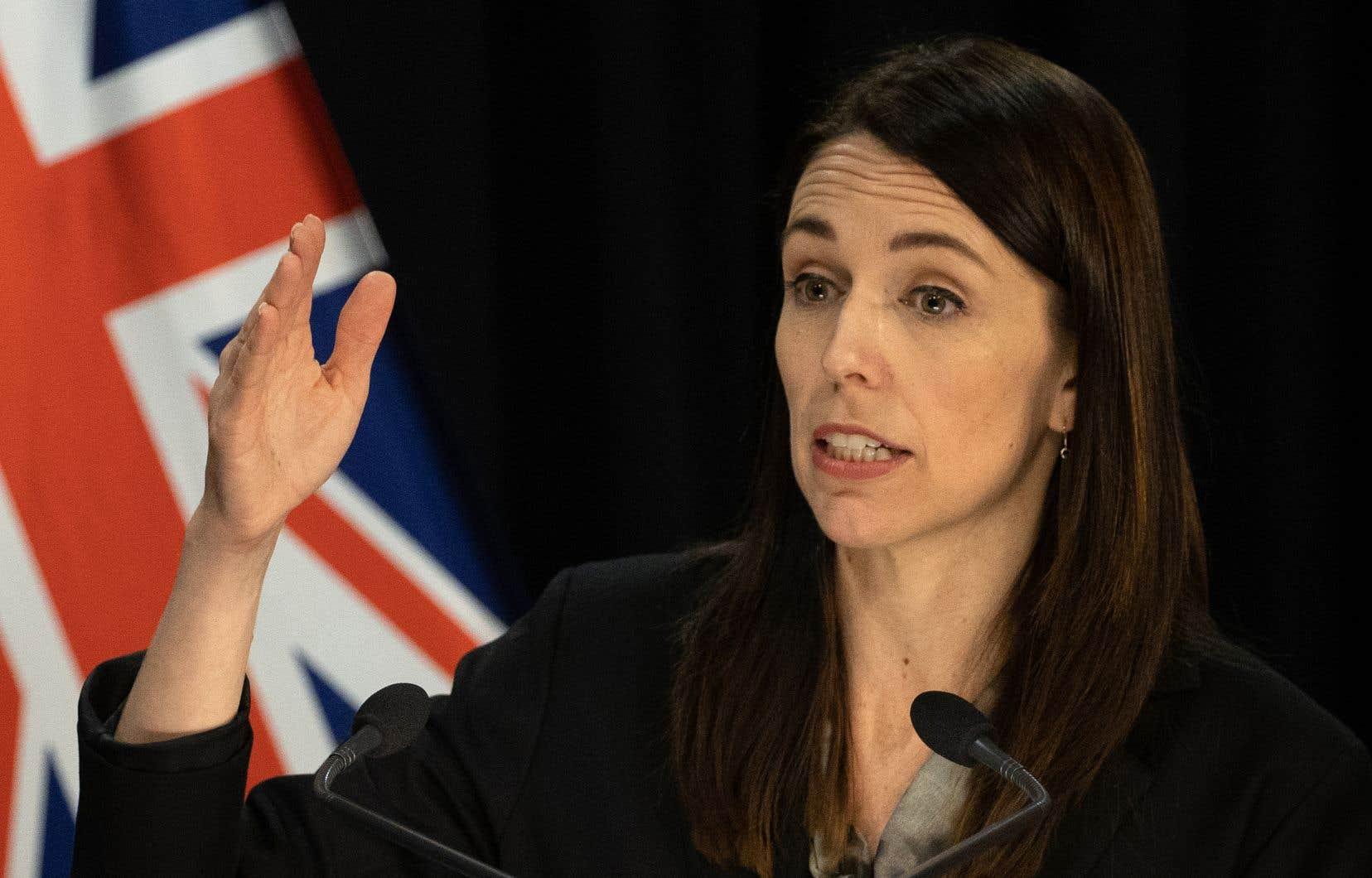 La première ministre néo-zélandaise, Jacinda Ardern, a salué les habitants qui ont dû endurer un deuxième confinement pour endiguer la pandémie.