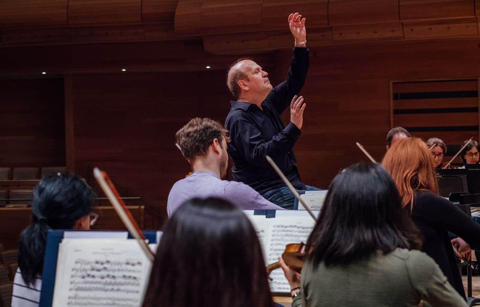 Bernard Labadie assurera avec les Violons du Roy un prélude au Festival, le 7 novembre.