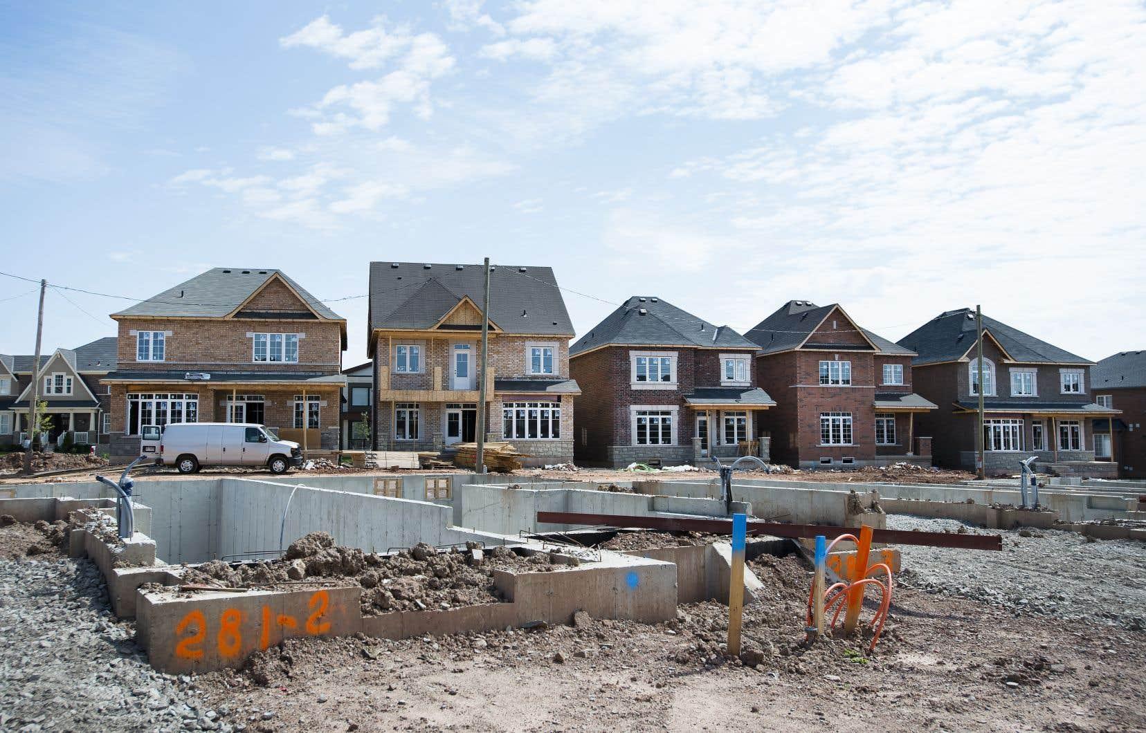 Les prix dans la construction neuve reflètent également une hausse des coûts de construction provoquée par la crise sanitaire et l'impact des taux d'intérêt maintenus à leurs bas historiques.