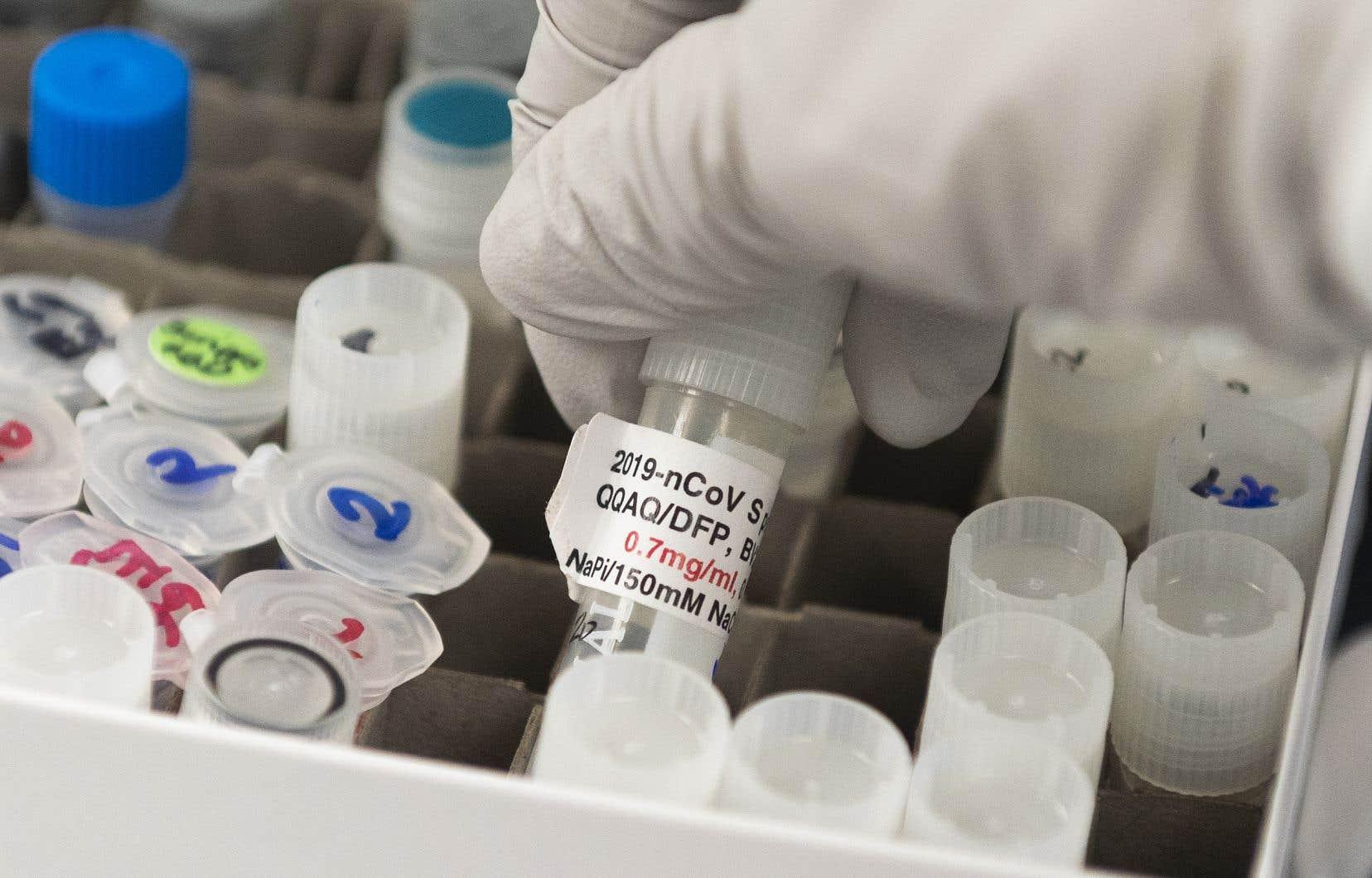Santé Canada dispose de son propre système d'examen de l'innocuité, de l'efficacité et de la qualité des vaccins qui lui seront soumis, et s'assurera que les bénéfices que procure un vaccin l'emportent sur les risques qu'il comporte.