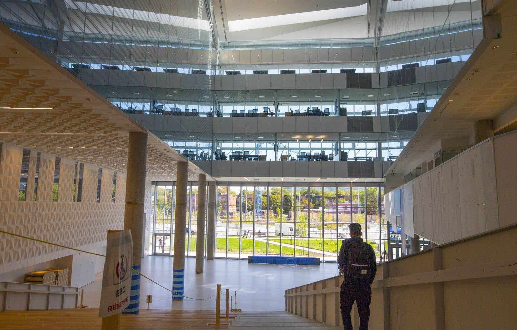 Ainsi, selon les projections de Statistique Canada, les universités pourraient perdre de 0,8% à 7,5% de leurs revenus.
