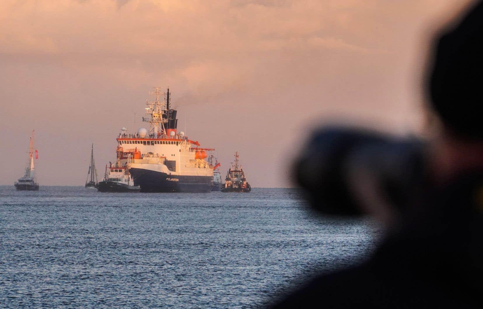 À l'issue de 389 jours en mer, le brise-glace <em>Polarstern</em> de l'institut allemand Alfred-Wegener a retrouvé son port d'attache de Bremerhaven, dans le nord-ouest de l'Allemagne.
