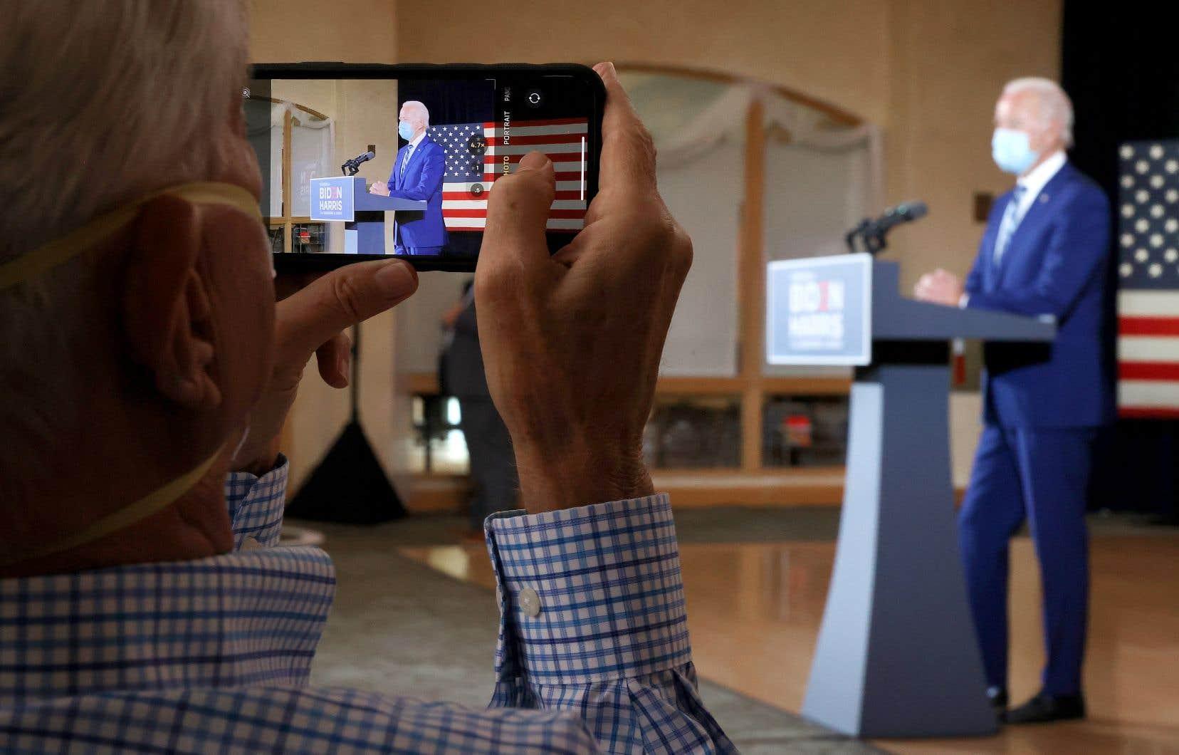 Le candidat démocrate, Joe Biden, mardi à Pembroke Pines, en Floride. Les personnes âgées sont un groupe essentiel d'électeurs dans cet État clé qui pourrait décider de la victoire dans trois semaines.