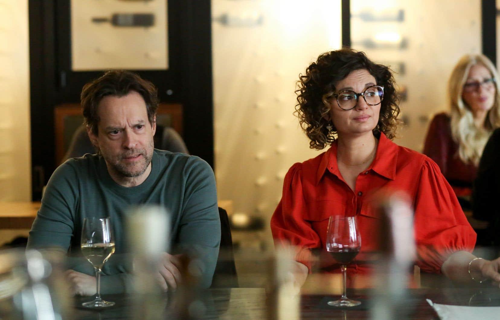 Alexis Martin interprète Simon Letendre, écrivain raté recyclé en traducteur, qui débarque chez son ami Christian (Christian Bégin), après avoir été largué par sa conjointe.