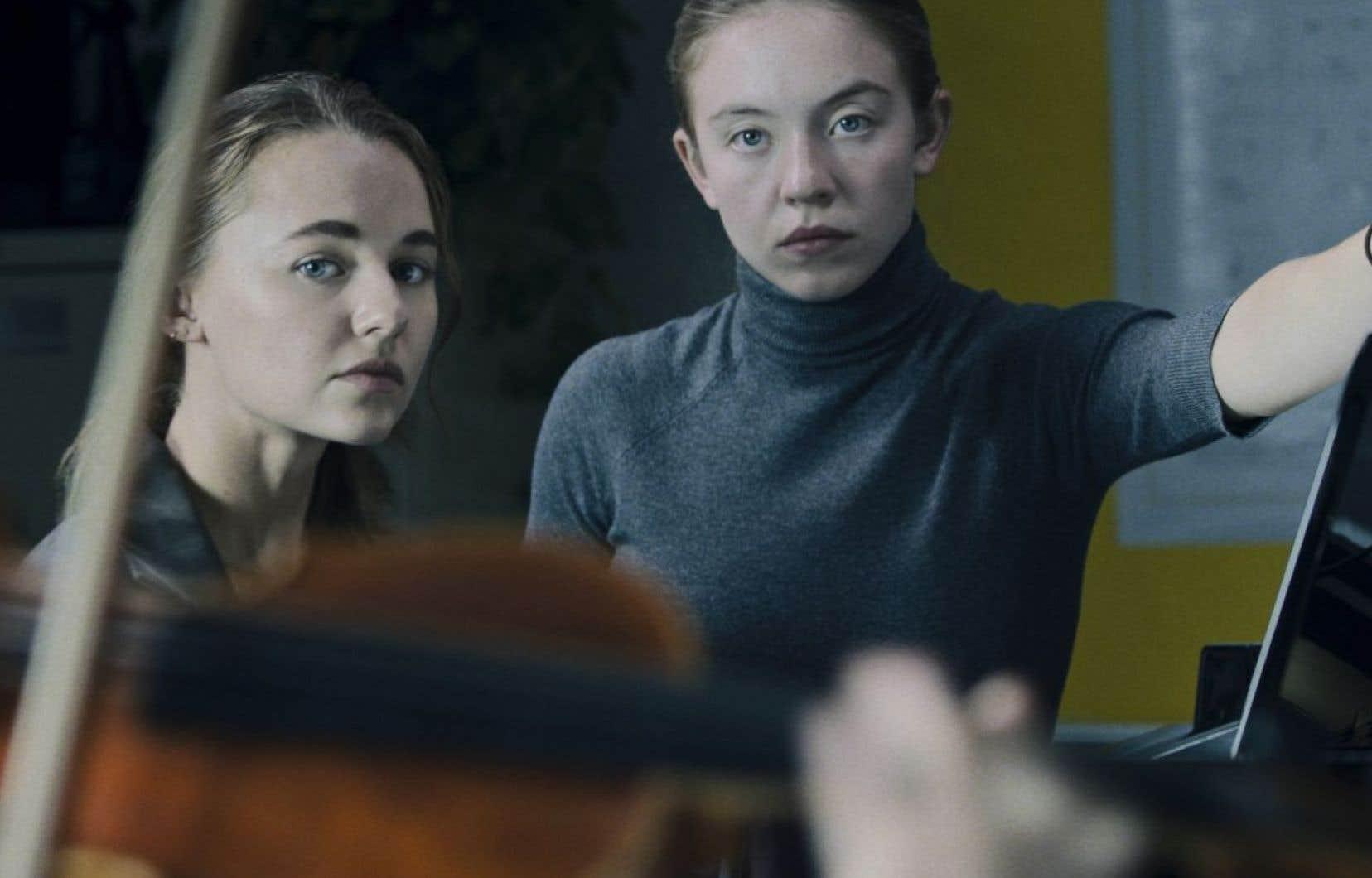 Madison Iseman et Sydney Sweeney dans «Nocturne», récit de deux sœurs pianistes, l'une prodige, l'autre jalouse