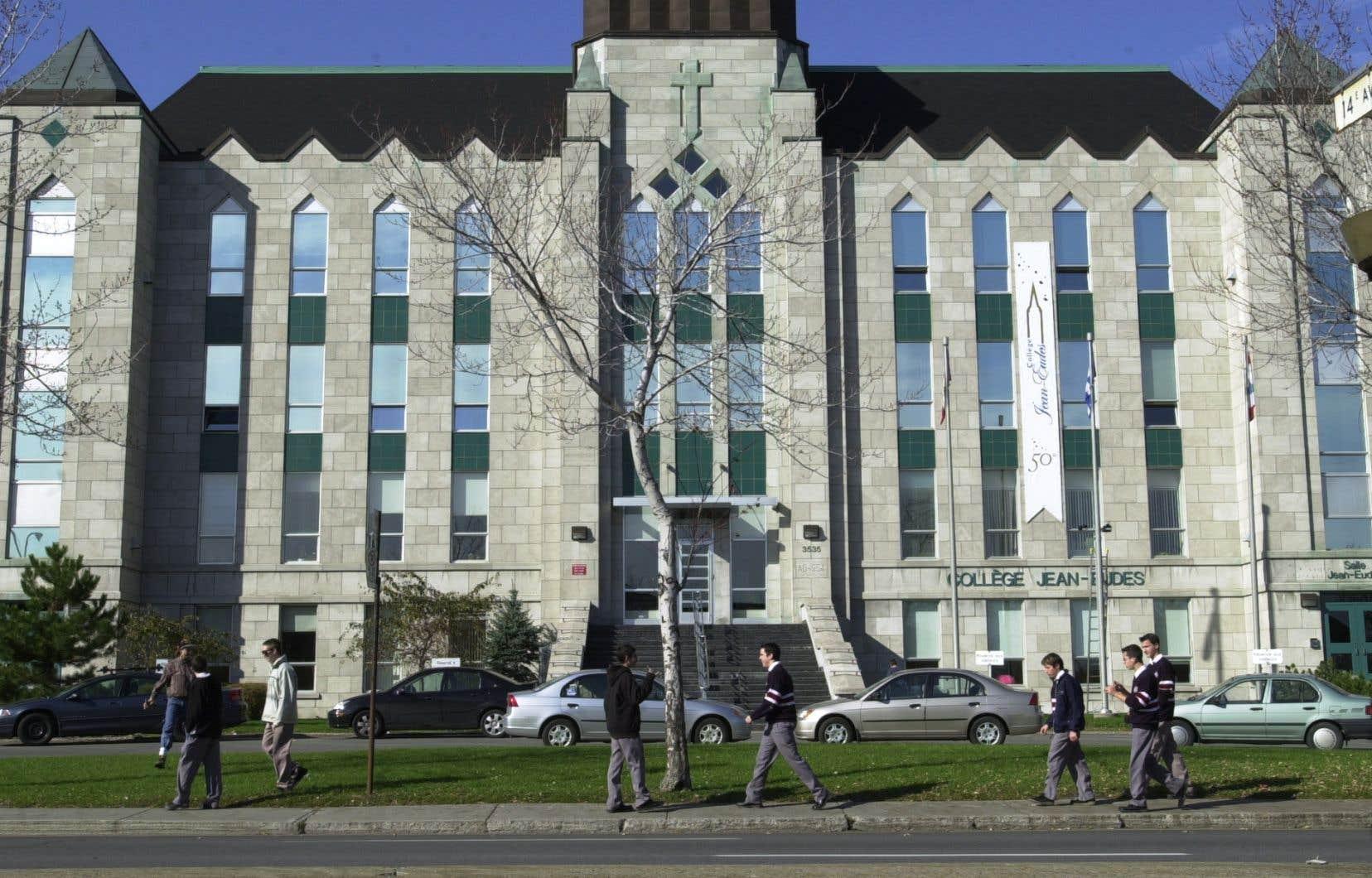 «Voir le Collège Jean-Eudes se vanter publiquement sur les réseaux sociaux de son