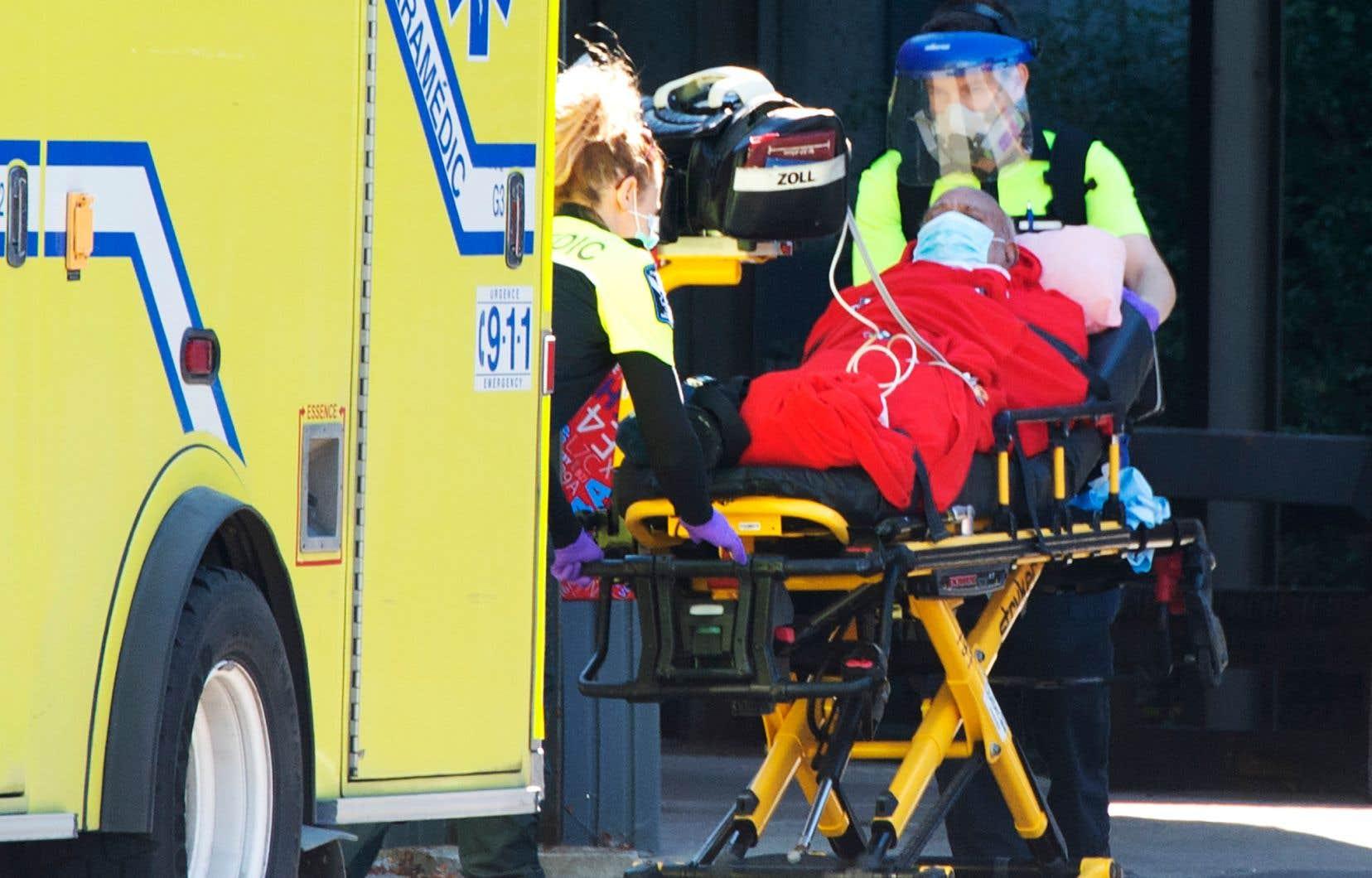 Les projections de l'INESSS suggèrent une tendance à la hausse du nombre d'hospitalisations dans le Grand Montréal, mais «moins importante» que celle appréhendée la semaine dernière.