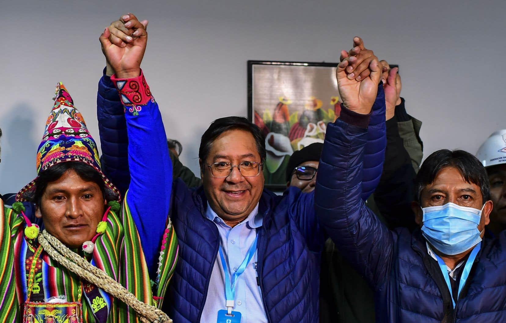 À l'annonce de son triomphe, Luis Arce avait estimé que la Bolivie avait «renoué avec la démocratie» et «retrouvé l'espoir».
