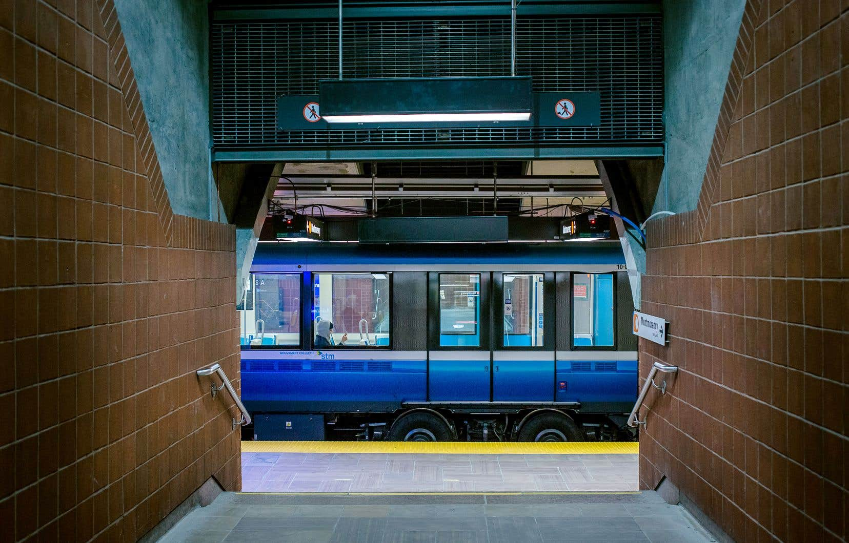<p>Le réseau d'autobus et de métro fonctionne normalement, assure la STM.</p>