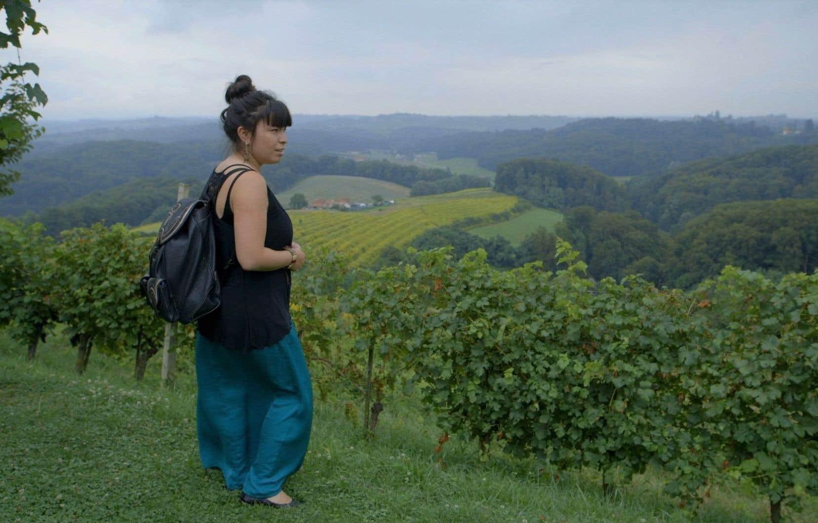 Dans son très beau documentaire intitulé Nin E Tepueian – mon cri, Santiago Bertolino arrime sa caméra au parcours de l'autrice et poète, mais aussi militante et actrice, Natasha Kanapé Fontaine.