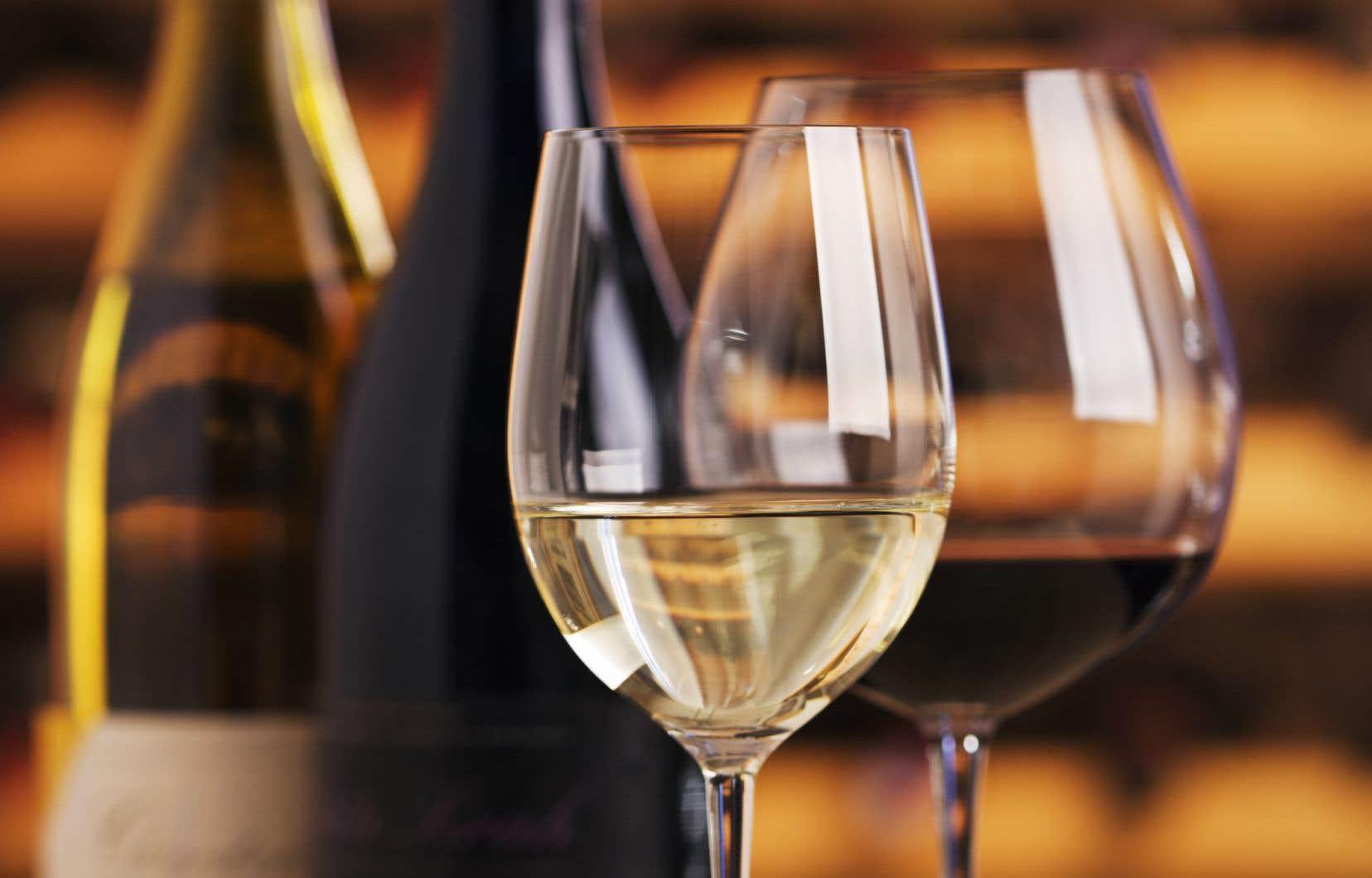 Si, en amont, le vigneron est inspiré, alors celui qui, en aval, en appréciera la démarche devenue artistique s'en trouvera lui-même inspiré.