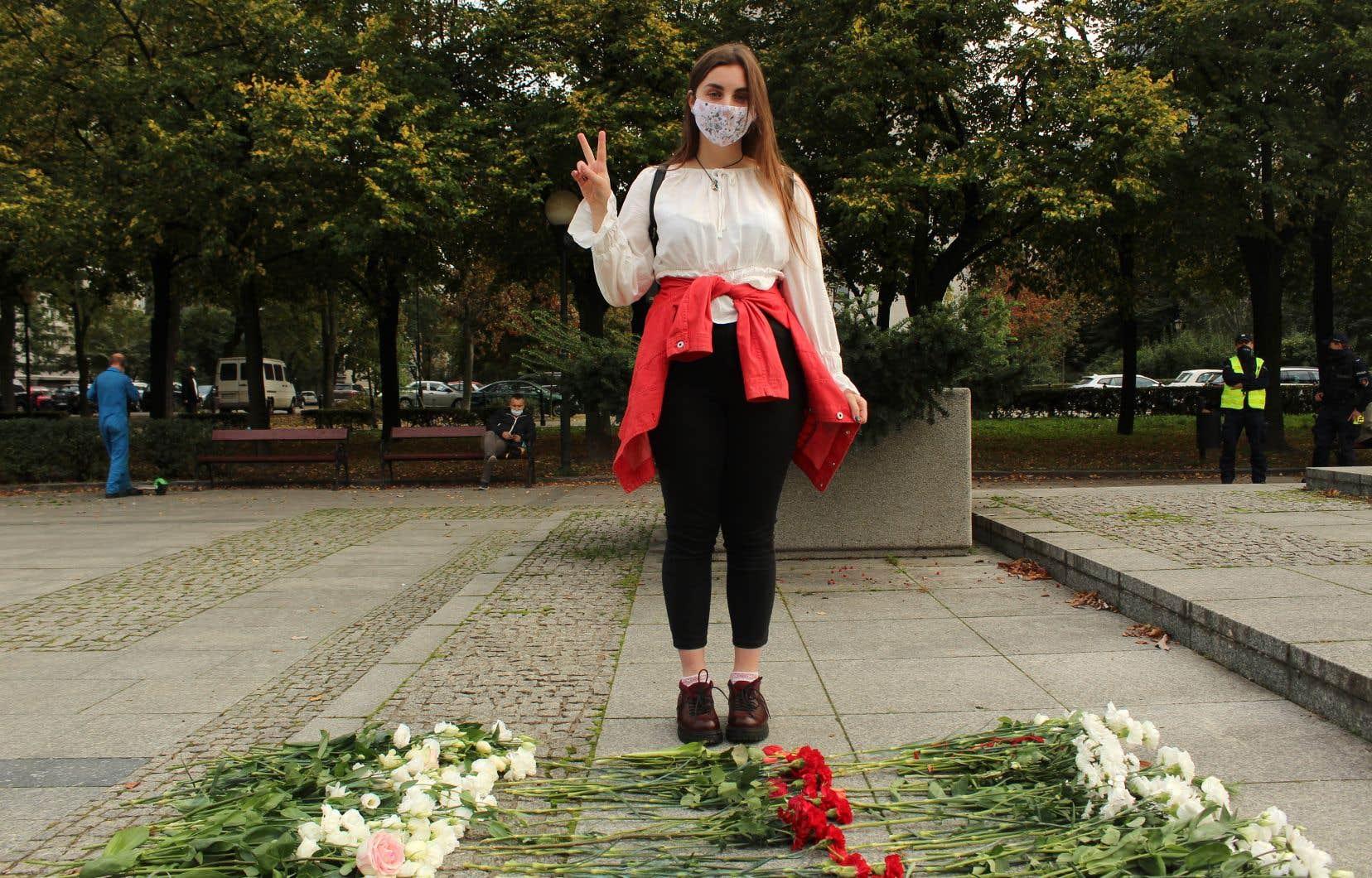 La répression du régime d'Alexandre Loukachenko, en Biélorussie, est particulièrement intense depuis l'élection frauduleuse du 9août dernier. Plusieurs Biélorusses ont décidé de fuir vers la Pologne. Parmi eux, Kristina Pauliukevich, 17 ans, ici photographiée lors d'une marche des femmes à Varsovie.