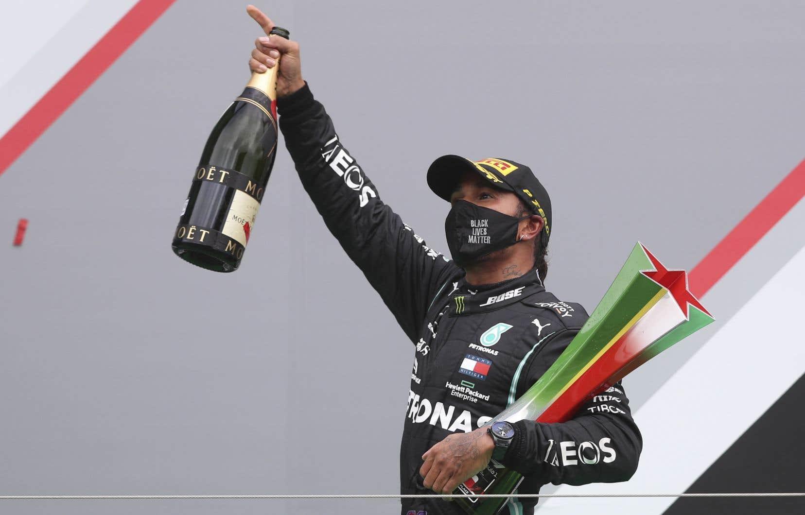 Les relations entre Hamilton et le «team manager» de Mercedes F1, Toto Wolff, passent pour excellentes, mais l'avenir de ce dernier est aussi sujet à conjectures.