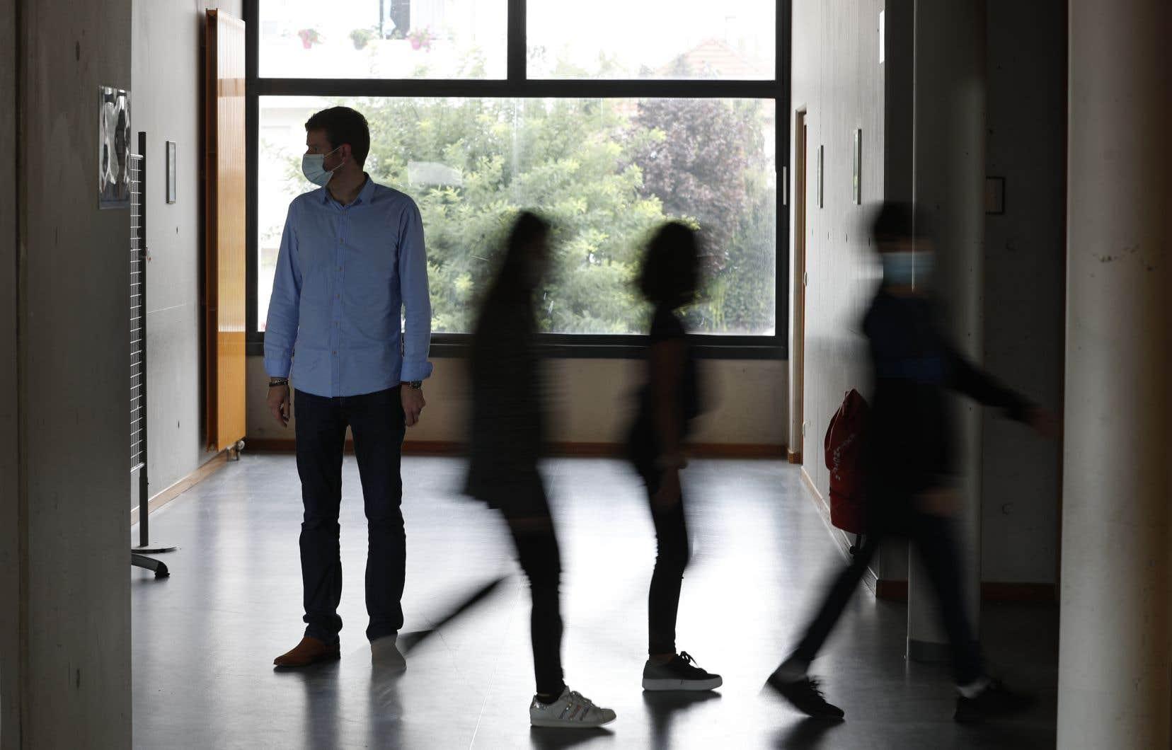 Sept profs sur dix se disaient déjà au bout du rouleau à la mi-octobre, selon une enquête du Syndicat de l'enseignement de l'Outaouais.