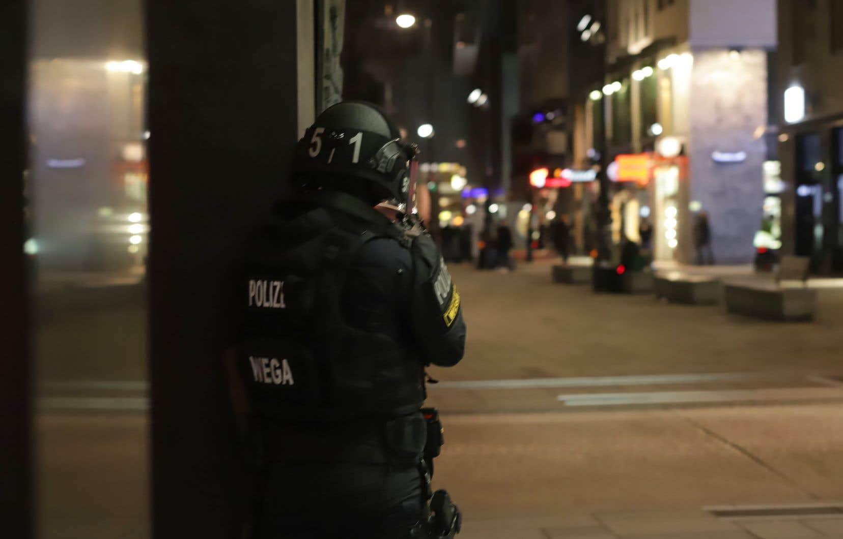 Plusieurs coups de feu ont été tirés lundi soir dans le centre de Vienne, selon la police, des médias locaux évoquant une attaque contre une synagogue.