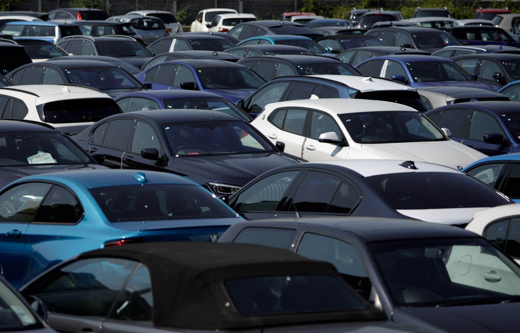 Les ventes des concessionnaires de véhicules et de pièces automobiles ont connu une légère baisse de 0,1% en août, selon Statistique Canada.