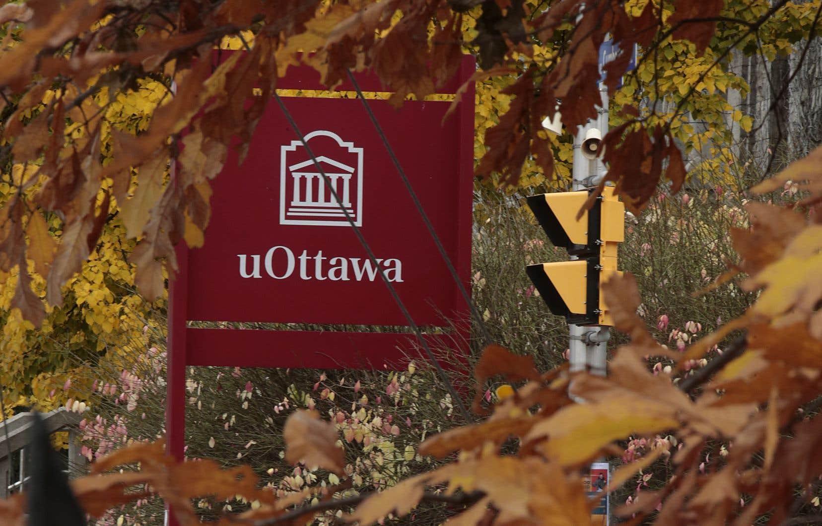 «Nous demandons à l'Université d'Ottawa de reconnaître son erreur et de défendre tant la dignité des étudiants et des étudiantes racisés que les difficiles exigences du rôle d'enseignant et de sa mission critique», écrivent les auteurs.