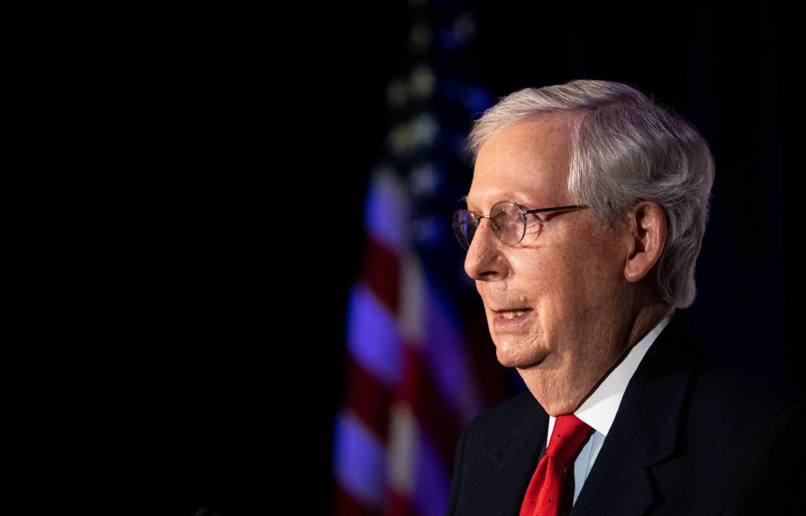 Le vétéran républicain Mitch McConnell, un des plus fidèles alliés de Trump, a été l'un des premiers sénateurs de haut rang à se faire réélire mardi, au Kentucky.