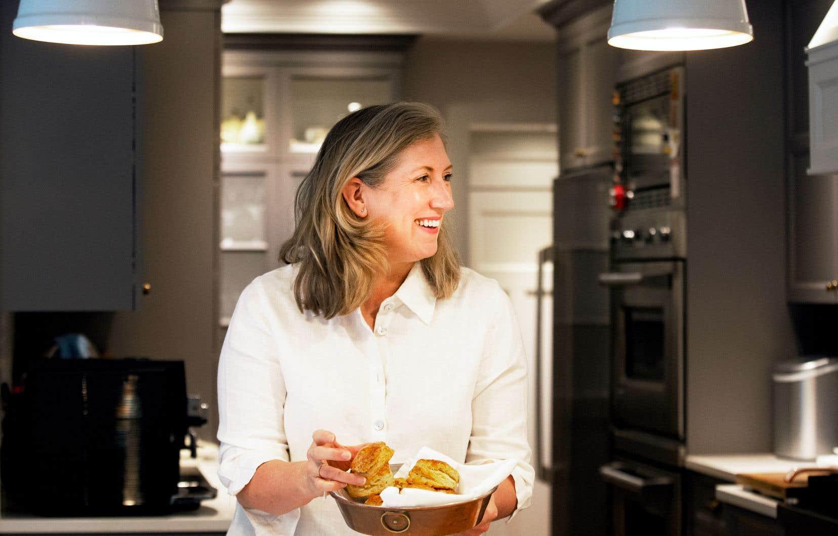 Lesley Chesterman est une cuisinière aguerrie et une pâtissière chocolatière de formation.
