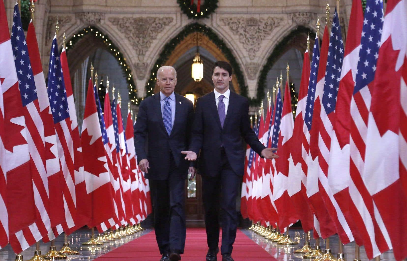 Justin Trudeau en compagnie deJoe Biden, en 2016, alors que ce dernier était vice-président des États-Unis.