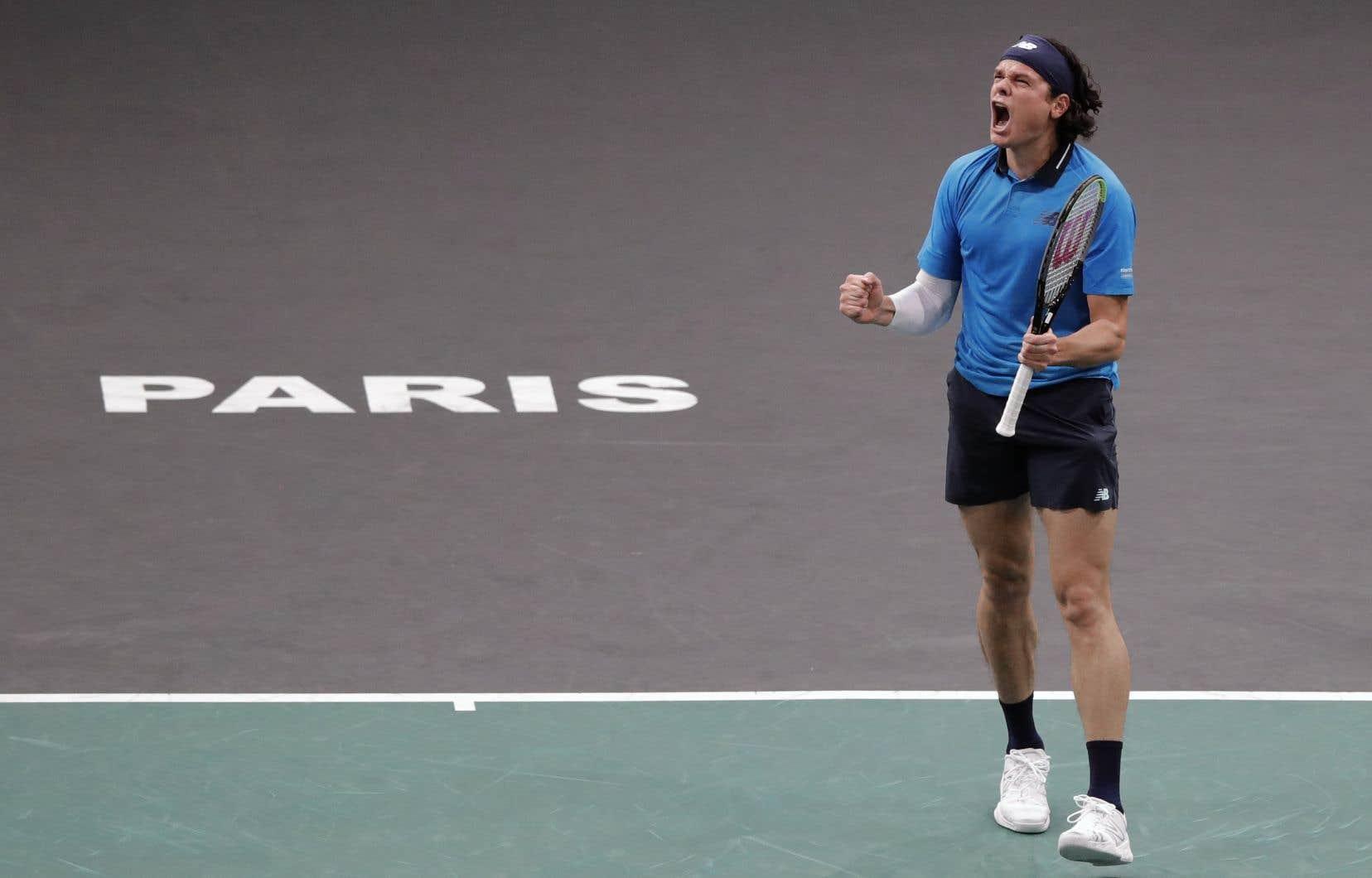 Raonic l'a emporté 6-3, 3-6 et 7-6 (7) à l'issue d'une lutte de deux heures et 18 minutes pour accéder aux demi-finales de ce tournoi en salle.