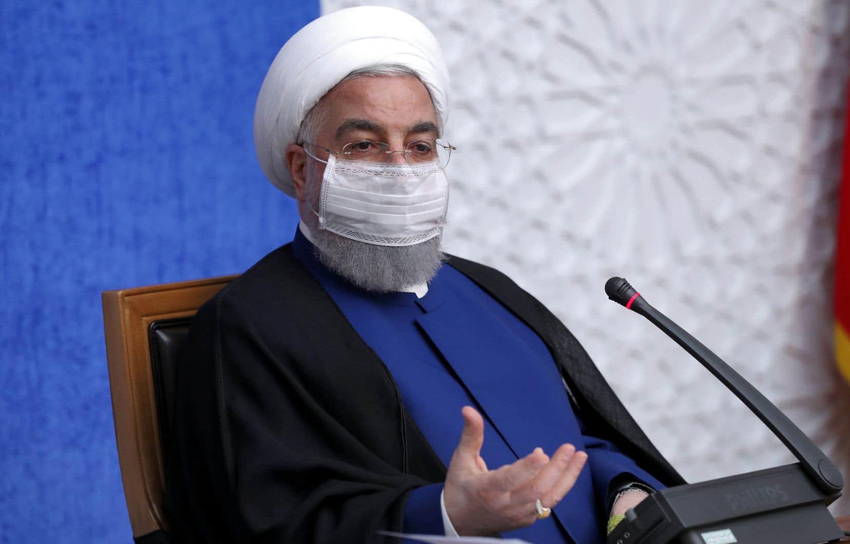 «Le peuple iranien, par sa résistance héroïque contre la guerre économique imposée (par Washington), a prouvé que la politique américaine de pression maximale était vouée à l'échec», a déclaré dimanche le président iranien Hassan Rohani.