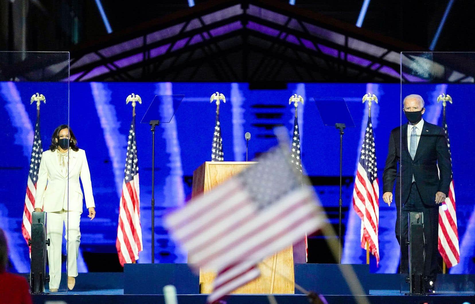 La vice-présidente et le président désignés, Kamala Harris et Joe Biden, ont à peine célébré la victoire samedi qu'ils doivent déjà se mettre au travail.