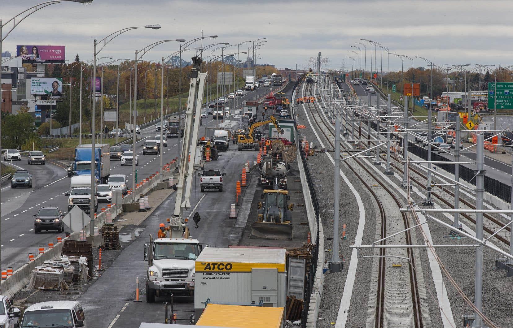 Un tronçon du Réseau express métropolitain (REM) en construction